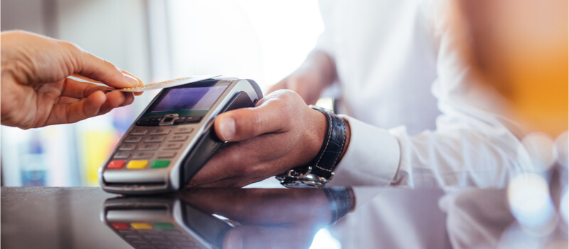 What is the difference between a merchant account and a payment gateway? image
